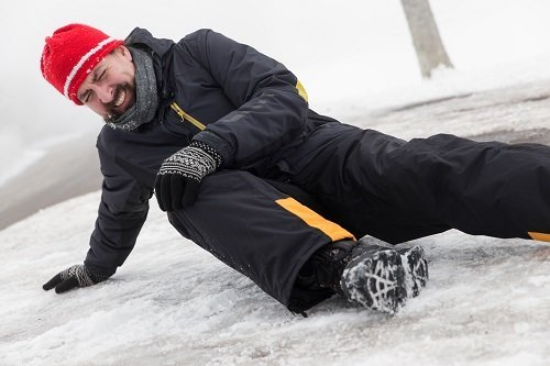 slip-and-fall-on-ice-1